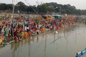 NGT allows Chhath Puja rituals in Rabindra Sarovar