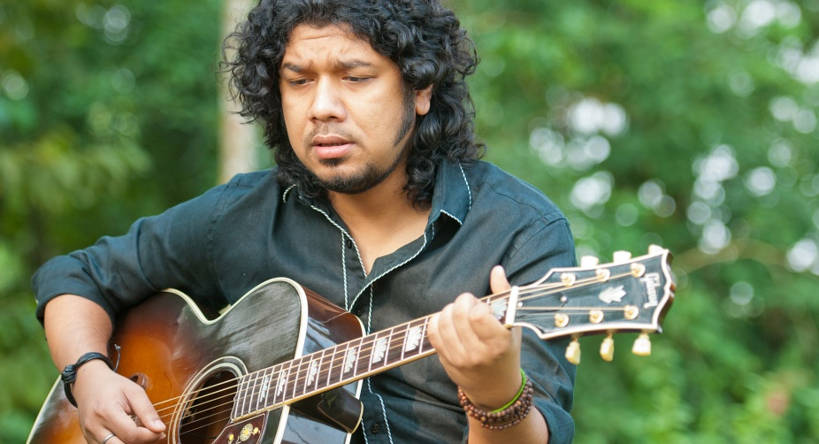 Papon kissing row