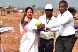 WB CM visits Singur project site