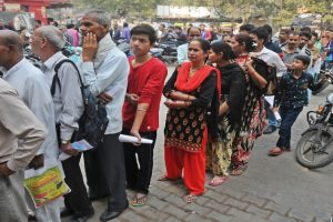 Modi's masterstroke: Chaos outside banks!