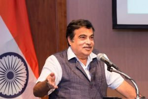 Government can't end toll tax, says Gadkari