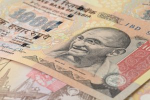 Nepal banks hold banned Indian currency notes