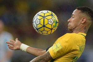 Neymar shines as Brazil trashes Argentina