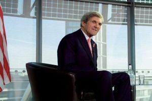 John Kerry first US official to visit Antarctica