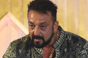 Sanjay Dutt's manager threatens to beat up a comedian!