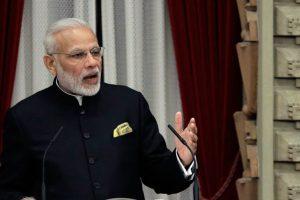 Modi salutes Indians for bearing demonetisation pain