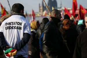 20,000 anti-Turkish govt protesters demonstrate in Cologne