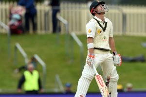 Luck deserts Warner as Proteas maintain grip