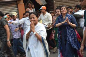 Mamata, Omar march to Rashtrapati Bhavan over demonetisation