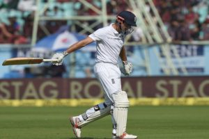 2nd Test: England loses Cook early after dismissing India for 455