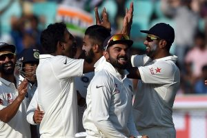 Second Test: England in trouble on second day