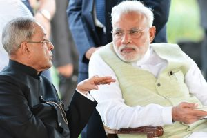 Modi meets President amid demonetisation chaos