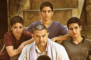 Aamir Khan's daughter in 'Dangal' breaks her leg