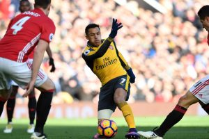 Giroud strike ensures Manchester United, Arsenal share spoils