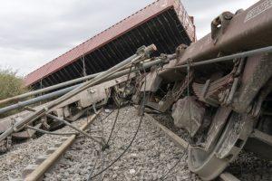 Akhilesh announces financial help for train mishap victims