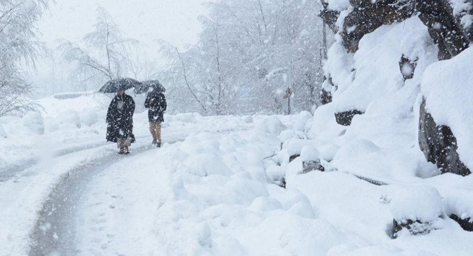 Snowfall, Christmas Eve, Kashmir Valley, Cold