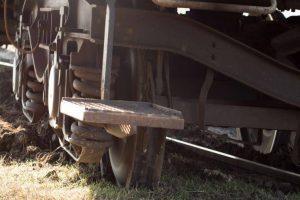 96 killed in UP train disaster, Prabhu orders probe