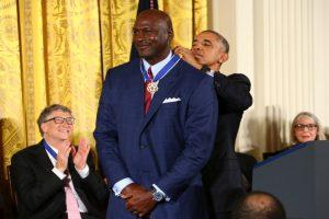 Obama awards Presidential Medal of Freedom to Michael Jordan