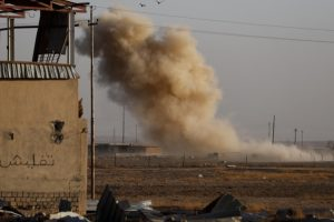 Iraq forces cut off IS-held Mosul from Syria