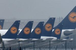 830 Lufthansa flights cancelled; 100,000 passengers hit