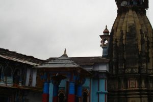Villagers trek to take Lord Shiva to his winter abode