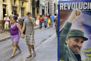 Gorbachev hails Castro for 'strengthening' Cuba
