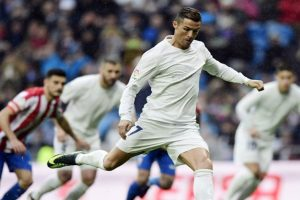 Real Madrid wins, Sevilla keeps up pace in La Liga