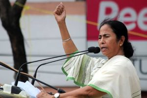 Modi derailing country's economy: Mamata