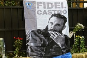 Fidel Castro's signed cigar box may fetch $20,000 at auction