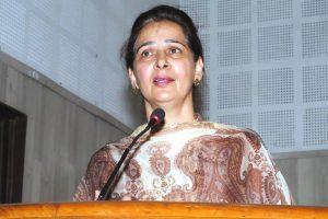 Sidhu's wife Navjot, ex-Olympian Pargat join Congress