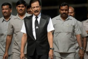 Subrata Roy's parole continues, asked to pay Rs.600 cr by February 6
