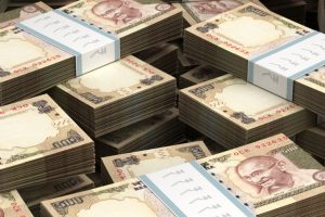 Four held, Rs 6.58 crore in old currency seized