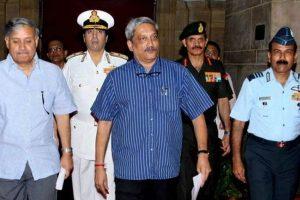 Parrikar discusses security ties with Bangladesh
