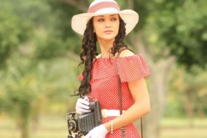 Amy Jackson yet to sign 'Queen' southern remake