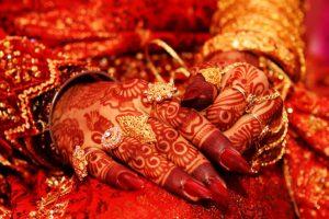 Winter wonder wedding wears