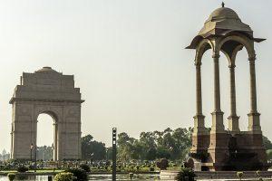 Clear Monday in Delhi