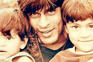 Shah Rukh Khan wins Kids' Icon of The Year award