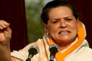 Sonia Gandhi pays homage to Ambedkar