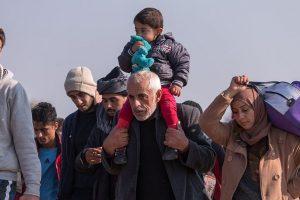 As refugees seek asylum, Greek police detains 38 migrants