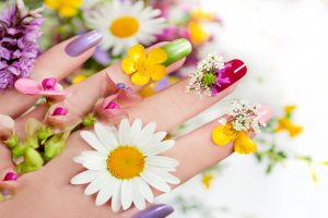 Sparkle and shine with trendy nail art