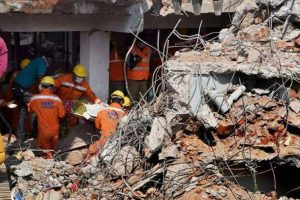 Seven killed in Mumbai building collapse