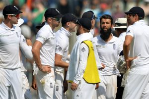 4th Test Day 3: England fight back to stem India's charge