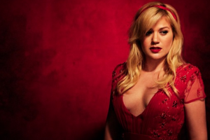 Kelly Clarkson reveals her family's Christmas plans