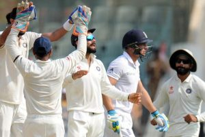 5th Test Day 2: England 352/7 at lunch