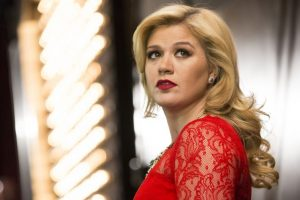 Pink 'inspired' Kelly Clarkson to be singer