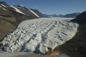 Arctic lakes melting earlier each year