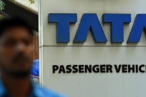 Tata Motors shareholders remove Nusli Wadia from board