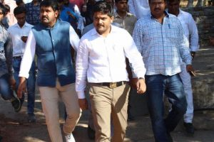 Cracks within Patidar community? Hardik Patel clarifies on Twitter