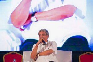 Parrikar, Naik on loggerheads over Madkaikar's entry in BJP
