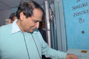 Railway minister 'personally monitoring' Ajmer-Sealdah derailment